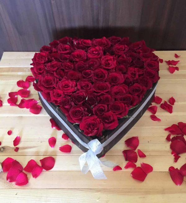 صندوق خشبي قلب و ورد الجوري عمان الأردن